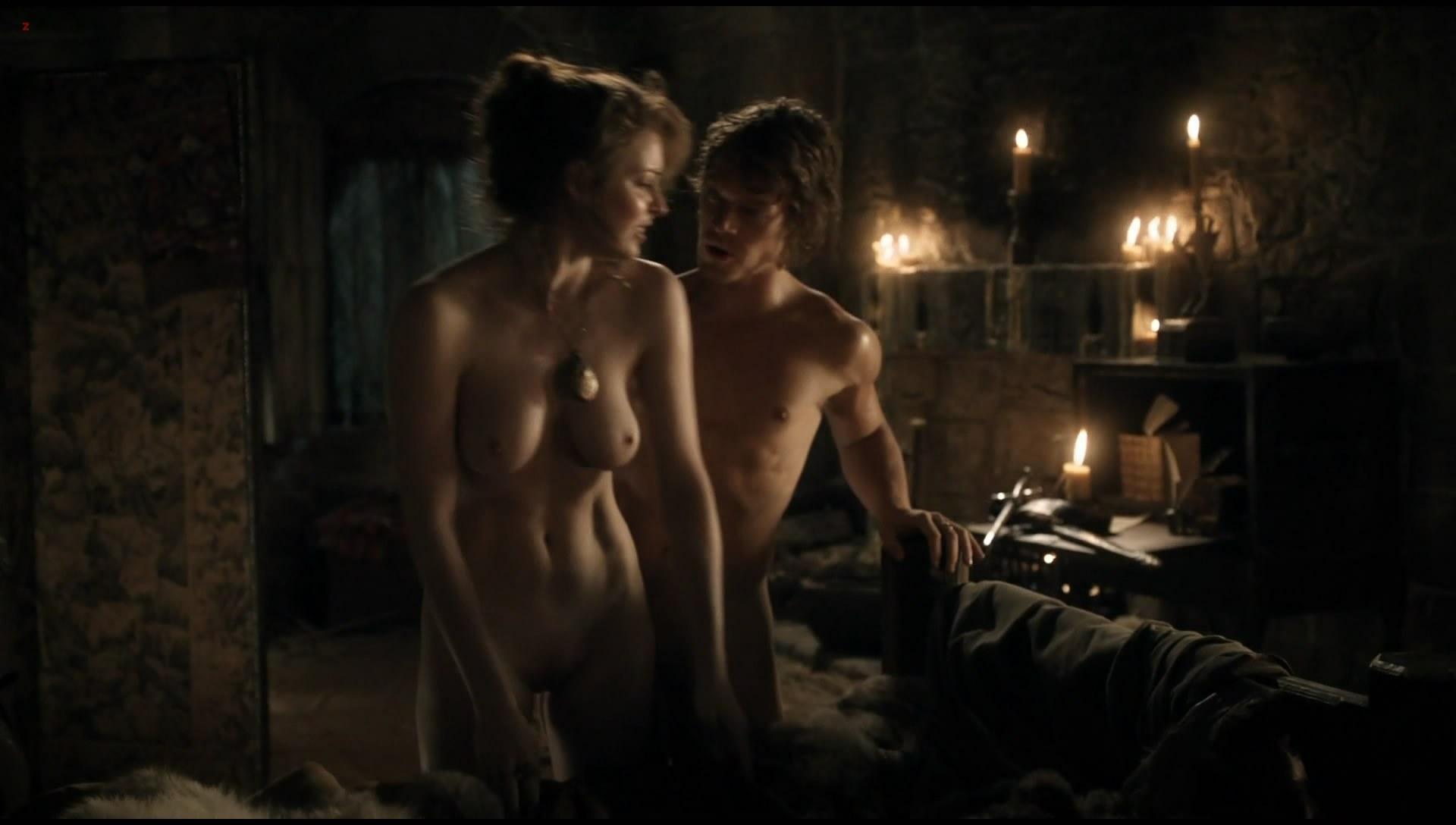 0313180837042_0_Esme-Bianco-naked-full-frontal-in-Game-of-Thrones-s01e05-hdtv1080p-5.jpg