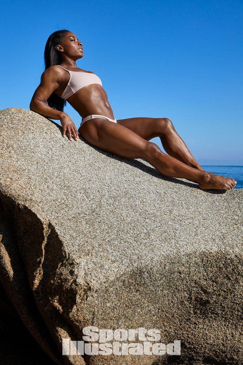0409065904998_05_Simone-Biles-Nude-Sexy-TheFappeningBlog.com-5.jpg