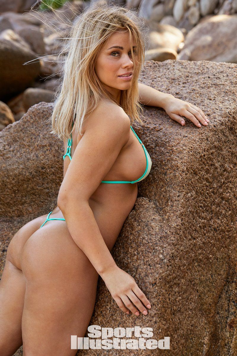 0409070529440_00_Paige-VanZant-Nude-Sexy-TheFappeningBlog.com-1.jpg