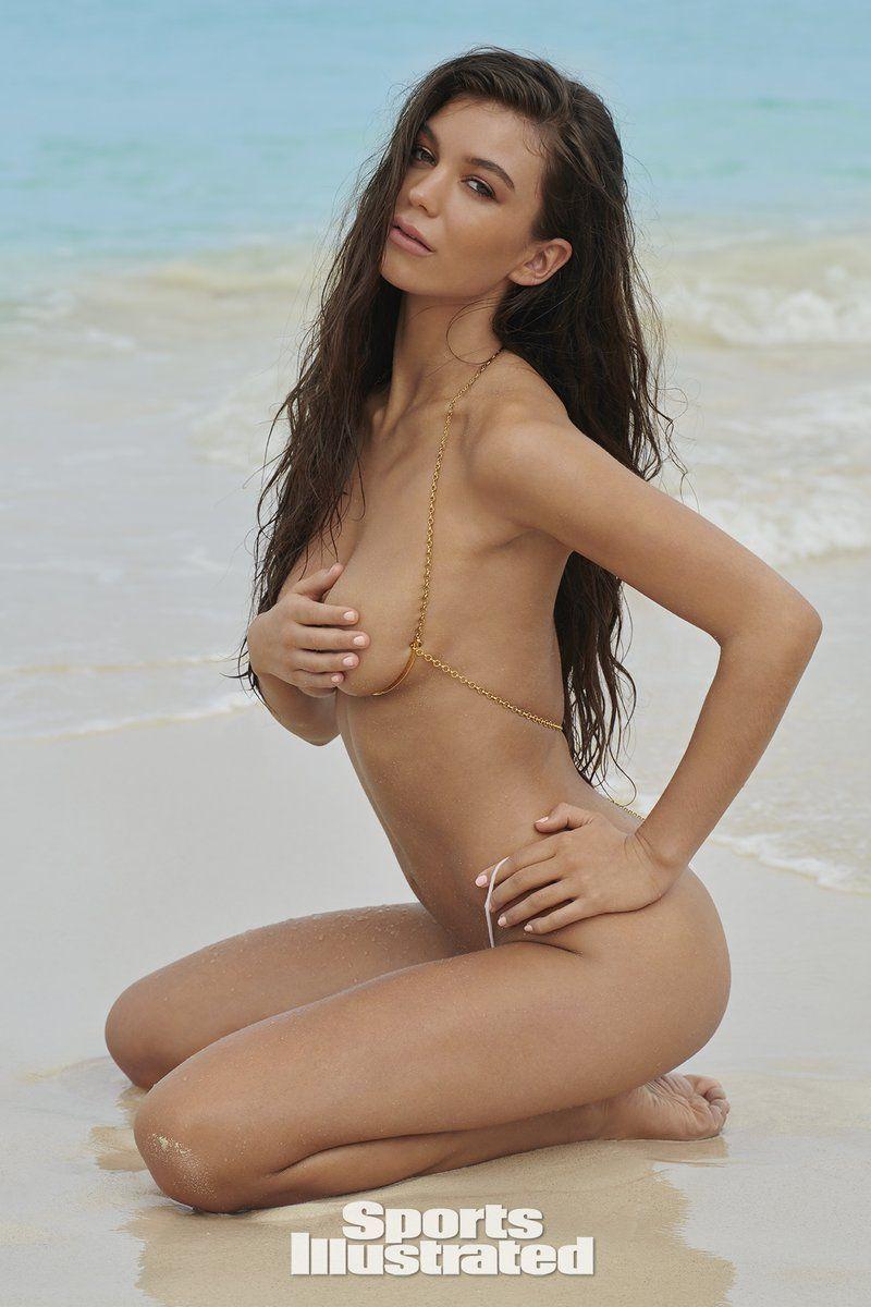 0409085841114_09_Erin-Willerton-Nude-Sexy-TheFappeningBlog.com-10.jpg