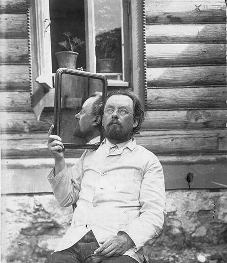 Konstantin-Tsiolkovsky.jpg
