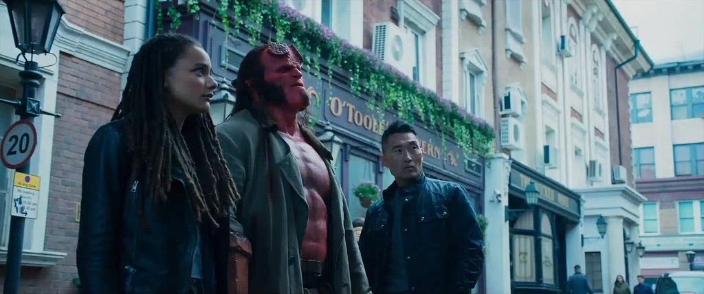 Скриншот Хеллбой (2019) скачать торрент бесплатно