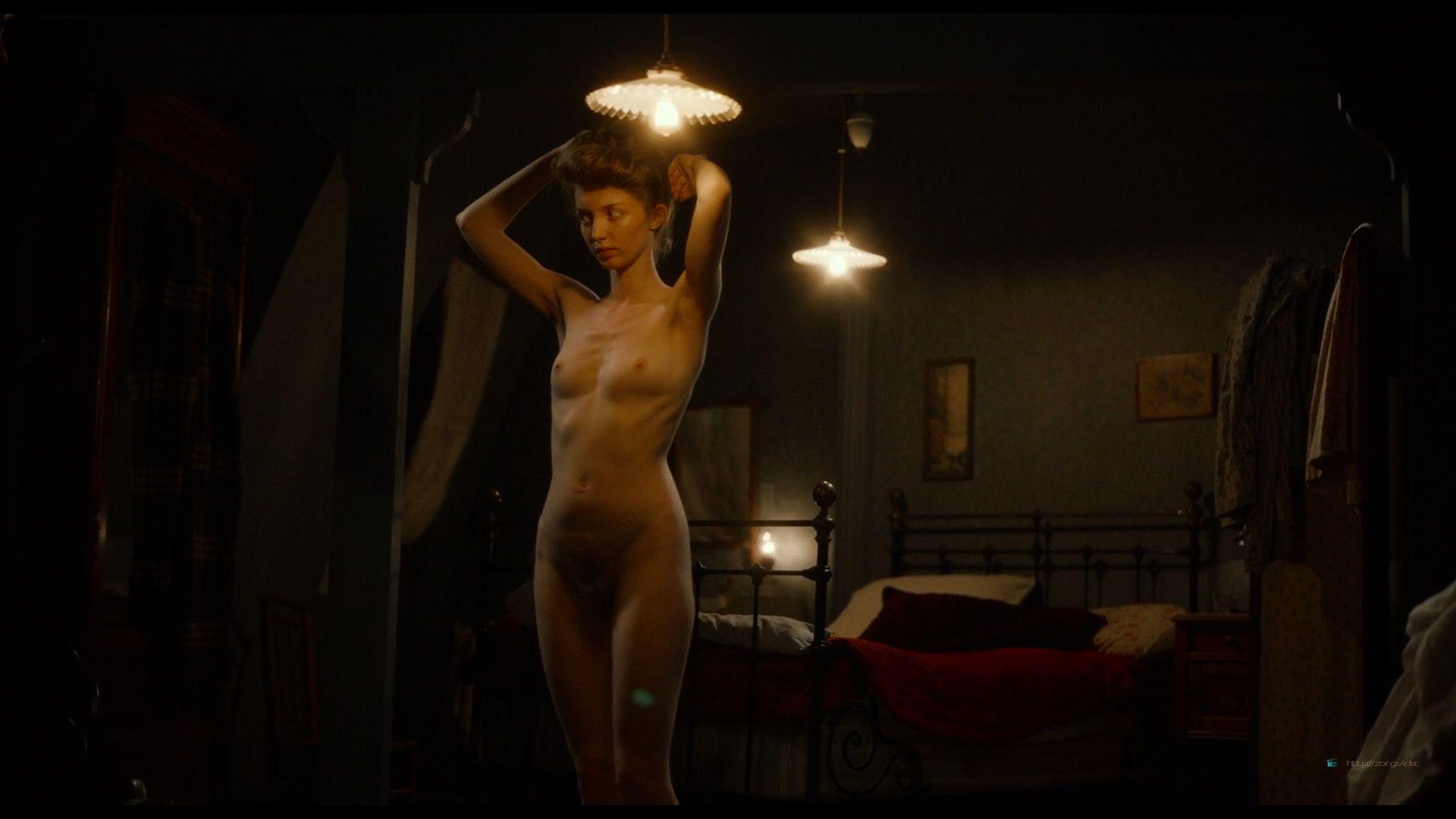 0608000137710_12_Noemie-Merlant-nude-full-frontal-Camelia-Jordana-Amira-Casar-and-others-nude-Curiosa-2019-HD-1080p-Web-.jpg