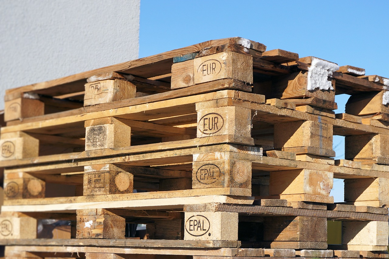 Многоразовые деревянные поддоны в процессе эксплуатации