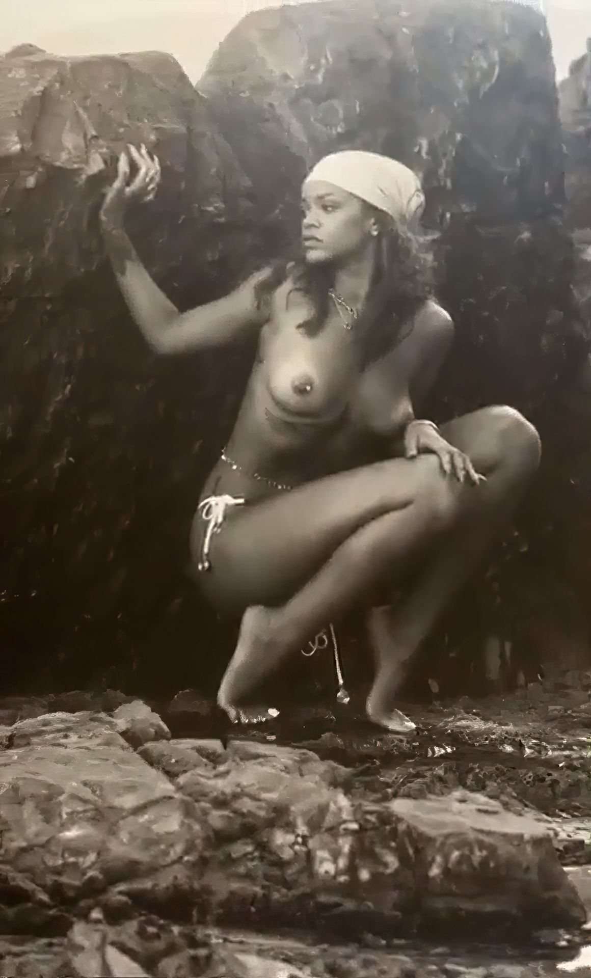 Rihanna-Nude-TheFappeningBlog.com-1.jpg