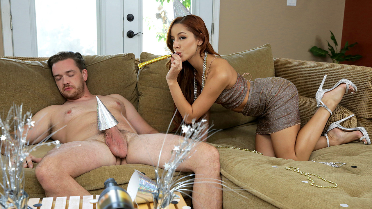 [MyFamilyPies.com / Nubiles-Porn.com] Vanna Bardot - Fucking My Step Sister For New Years (28.12.2019) [Teen, Creampie, Hardcore, Incest, Taboo, All Sex]