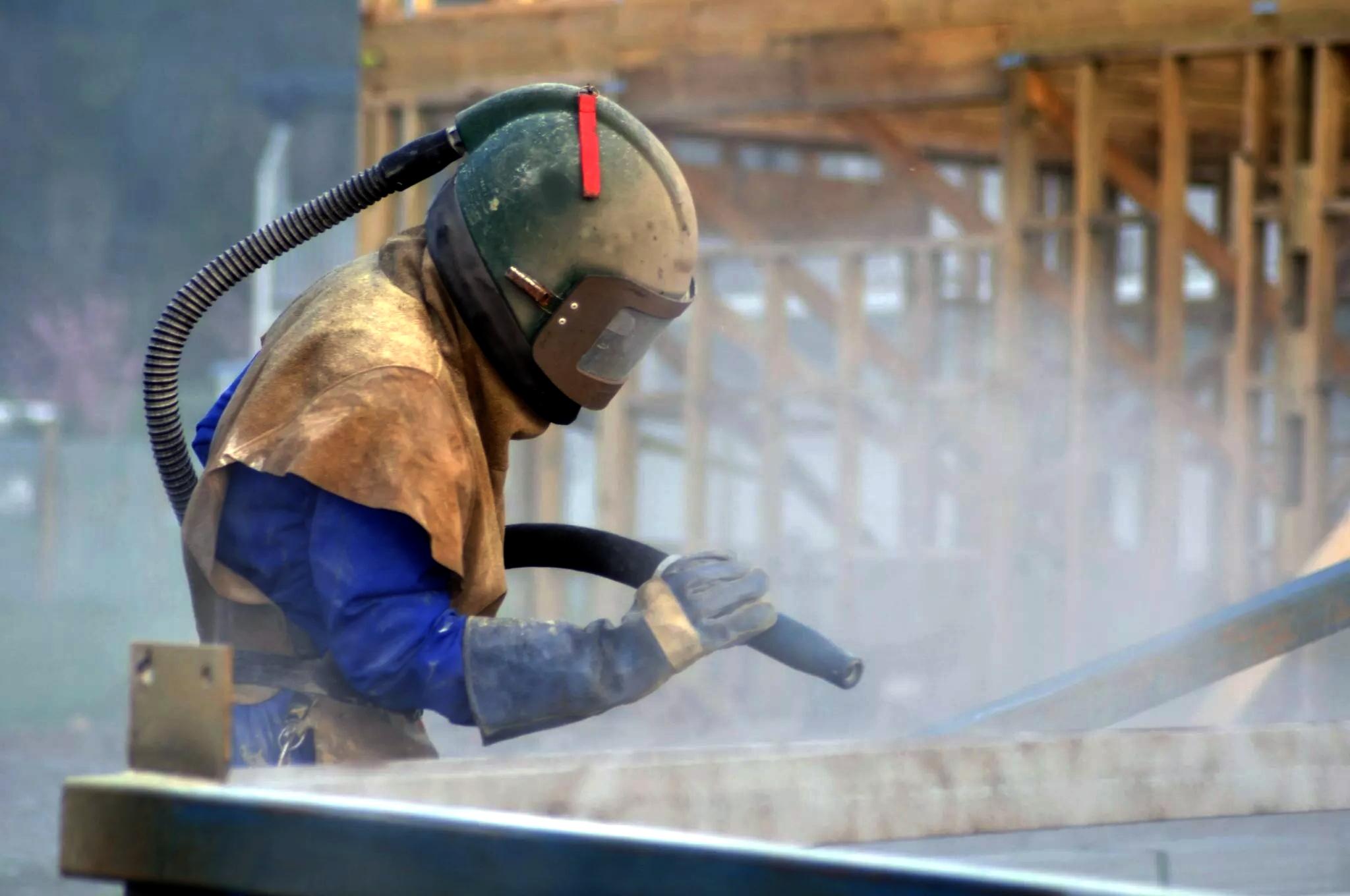 Обработка металла: пескоструй и не только