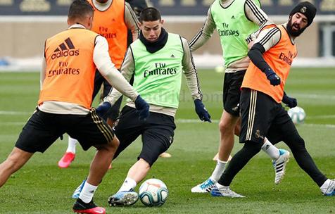 Marca: Хамес вернулся к тренировкам в общей группе