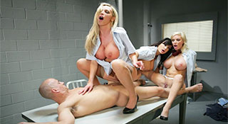 Nikki Benz, Lisa Ann & Diamond Foxxx - Стюардессы / Fly Girls (2010)