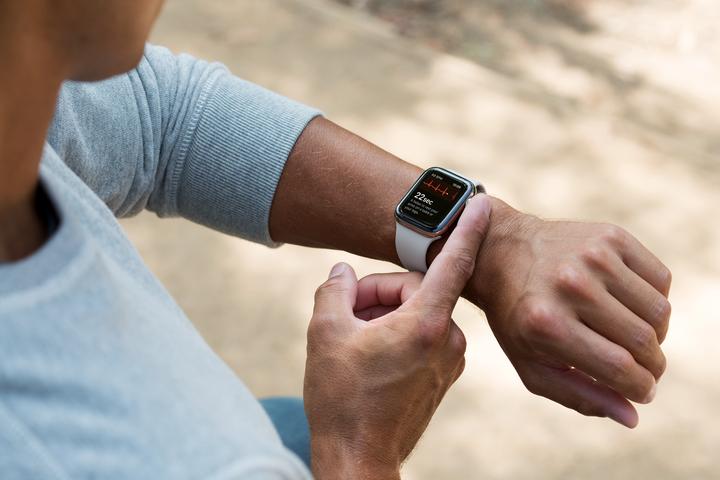 Часы «Эпл»: в чем их преимущества и особенности
