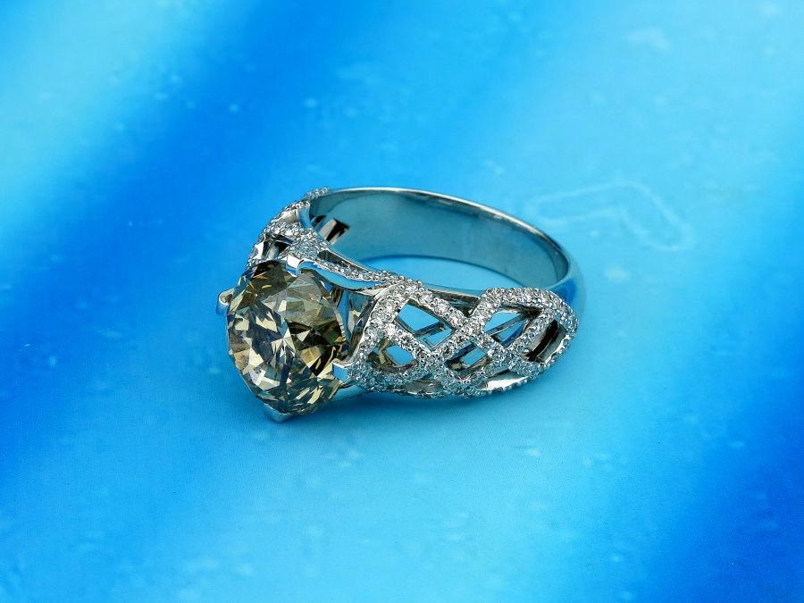 Массивное помолвочное кольцо