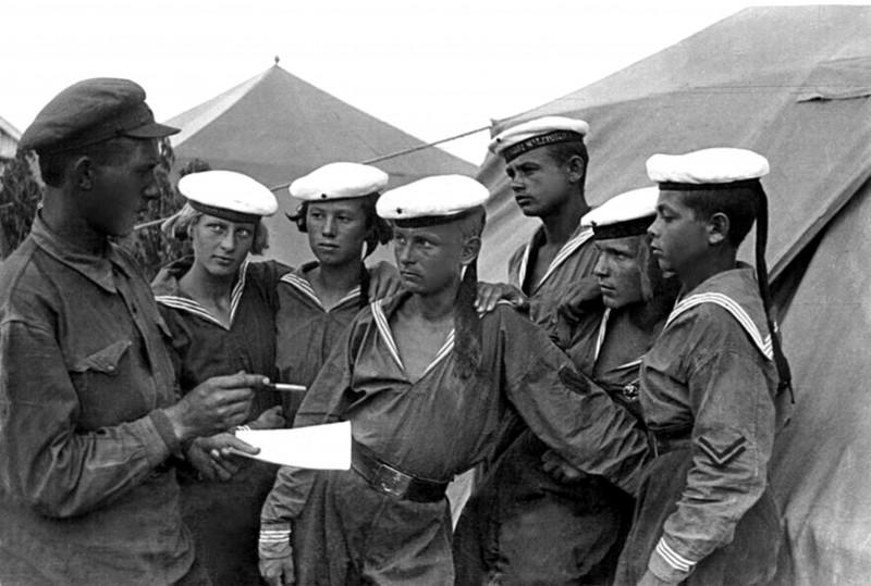 avgust-1938-goda-gorod-ehngels.jpg