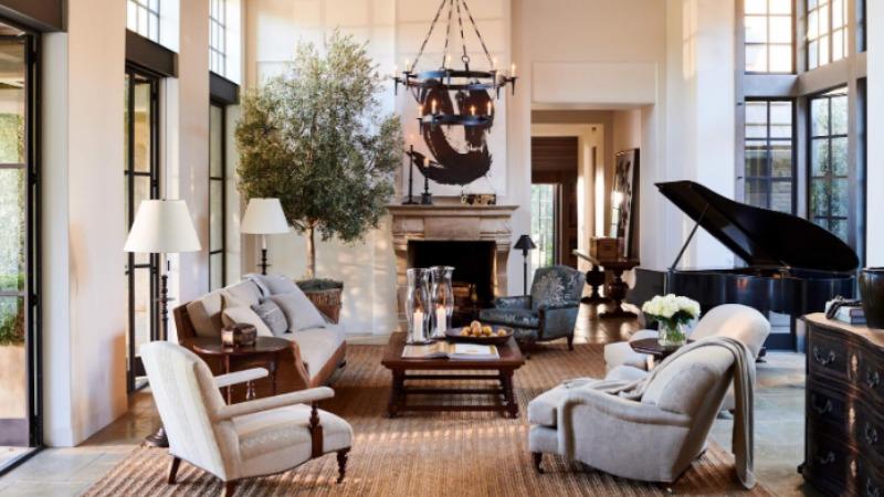 Дизайн гостиной от Ralph Lauren Home.