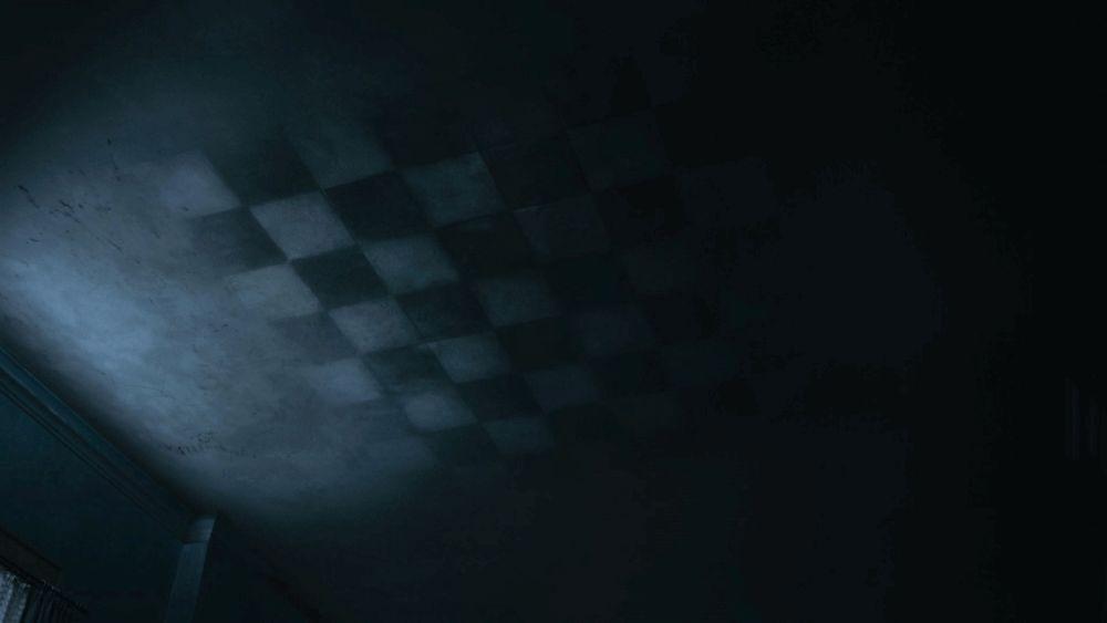 Шахматная доска на потолке