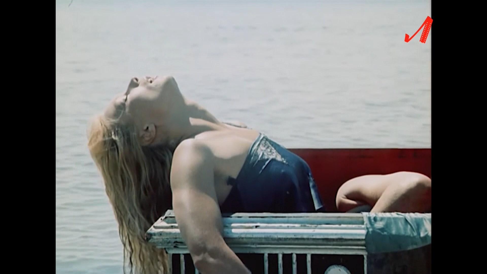 Лариса Белогурова. Остров погибших кораблей (1987) 1 серия.1.jpg