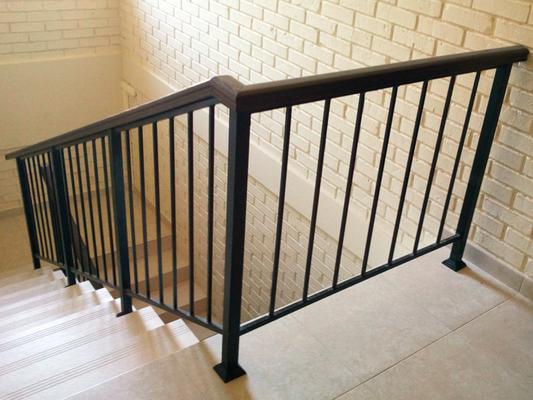 Ограждение для лестницы в доме