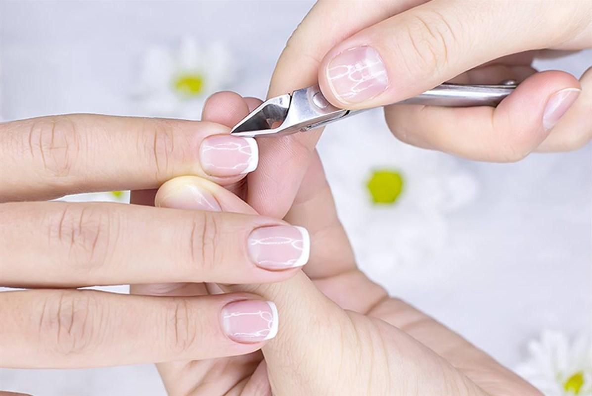 особливості процедури корекції гелевих нігтів