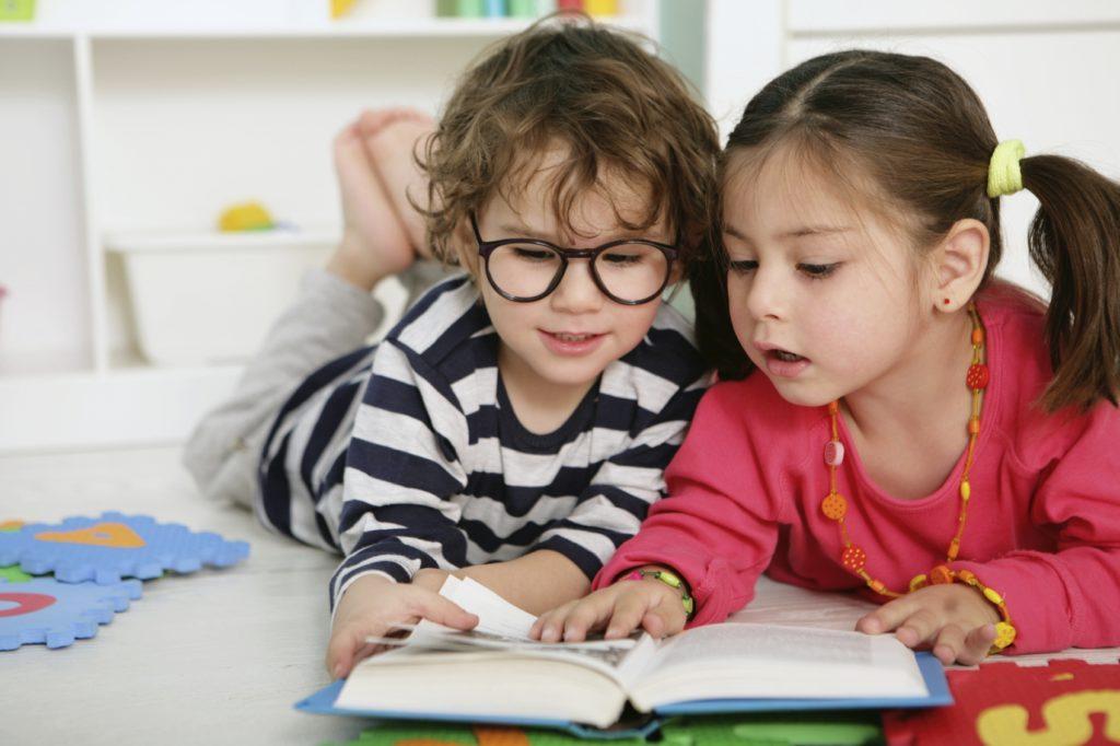 Полноценное развитие ребенка с помощью красивых и интересных детских книг