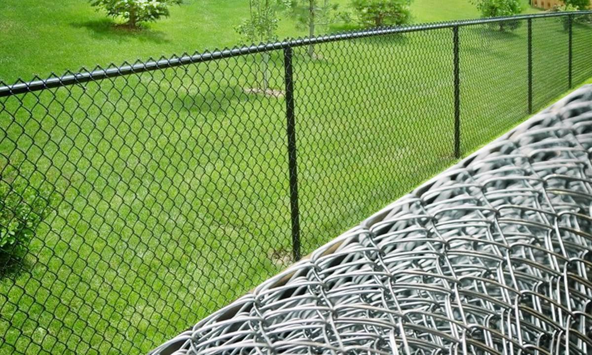 Легкие конструкции из сетки-рабицы пропускают свет, их легко монтировать. Заказать сетку на сайте Zabor.in.ua