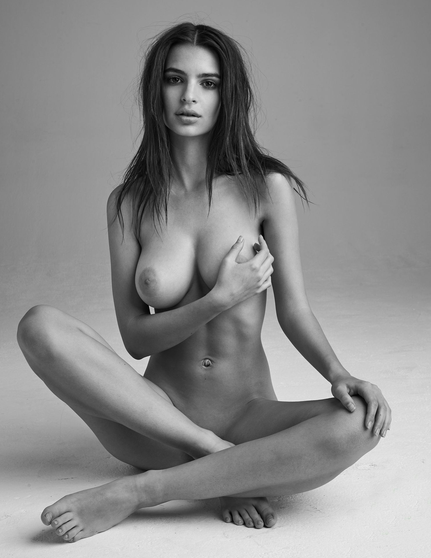 Emily-Ratajkowski-Nude-3-thefappeningblog.com_.jpg