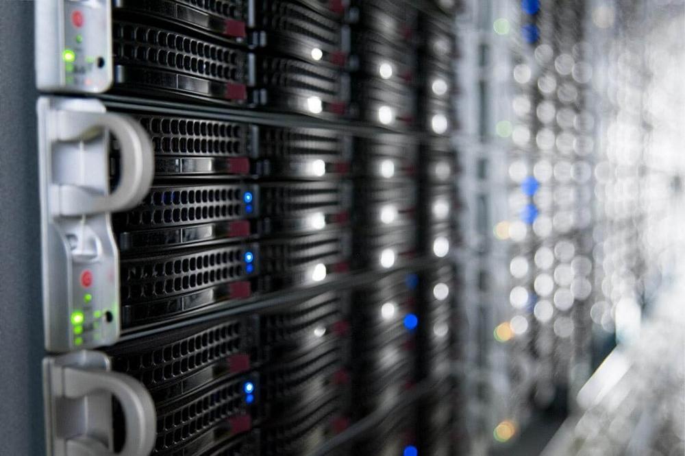 Что выгоднее: аренда сервера или виртуальный хостинг